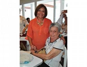 Yolanda Perdomo y Blanca Canales.