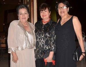Carmen de Tenorio, Margarita de Bados y Vilma Valdez.