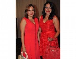 Michelle de Zelaya y Amalia Coto.