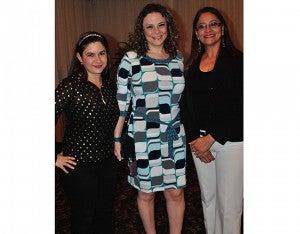 Claudia Sabillón, Luisa Zirene y Marlen Mena.