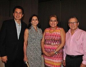 Mario y Sandra Canahuati, Sonia Mejía y Oscar Galeano.