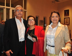 Selim Canahuati, Carmen Hernández y divina Smith.
