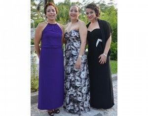 Elsa Dunlap, Cinthya Castellanos y Farlley de León.