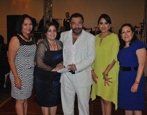 Dinora de Antúnez, Santa Orellana, Erick Álvarez, Osiris Paredes y Blanca Echeverri.