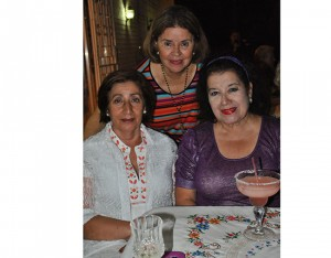 Miriam de Castellón, Aida Kattán y Guadalupe Funes.
