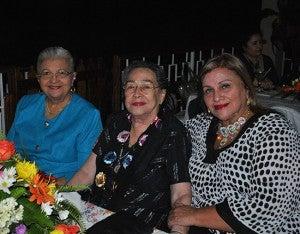 Rebeca de Mejía, Virginia Corrales y Farah Robles.