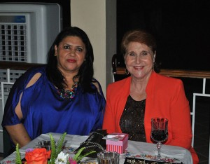 Iris Molina y Mery Bendeck.