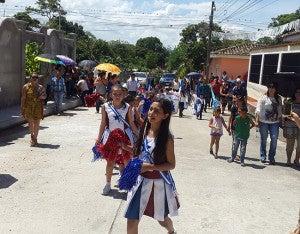 Las jovencitas mostraron parte de sus dotes de baile.