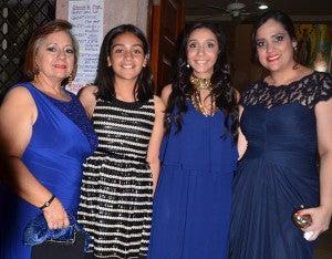 Katina de Gómez, Valeria Maradiaga, Daniela Gómez y Reina Gómez.