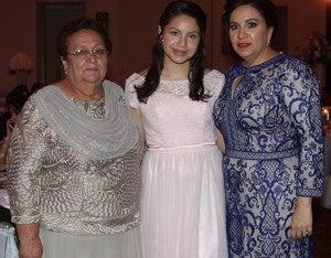 Lotty de García, Isabela Hernández y la primera dama Ana García de Hernández.