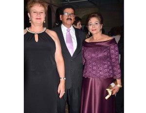 Ann Crichton, Mariano Figueroa y Lila de Figueroa.