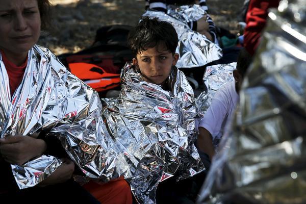 La Organización Internacional para las Migraciones indicó que más de 430.000 migrantes y refugiados cruzaron el Mediterráneo con destino Europa