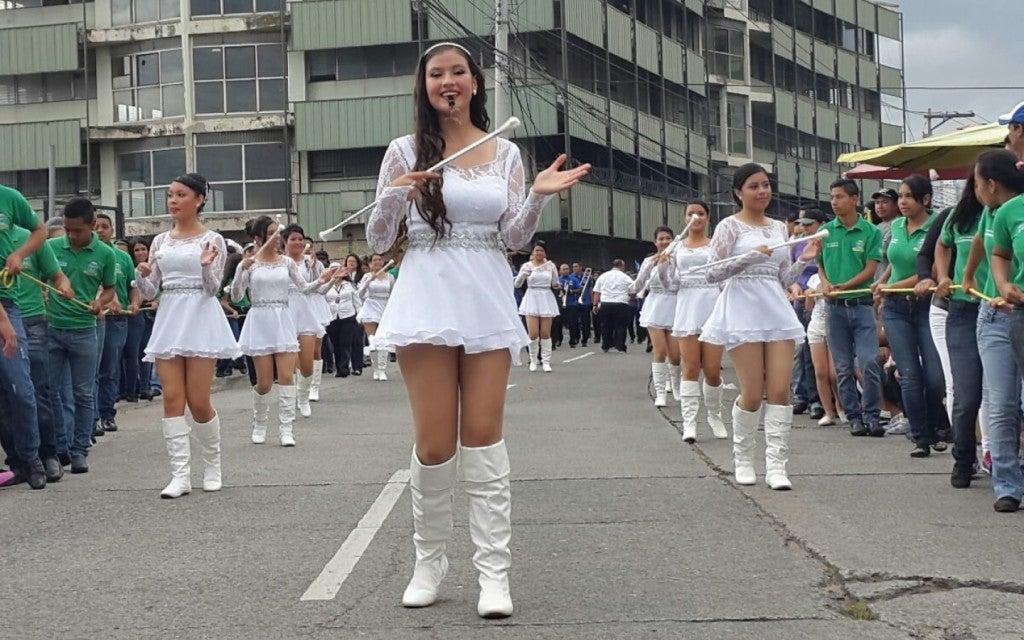 Color-belleza-y-patriotismo-Arrancan-los-desfiles-del-15-de-septiembre-en-Tegucigalpa--1440x900_c