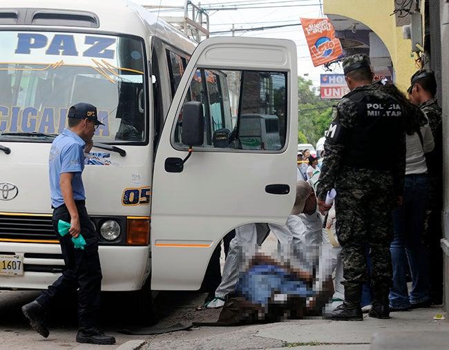 Tegucigalpa Sicarios en moto ultiman chofer cuando almorzaba; capturan a uno3