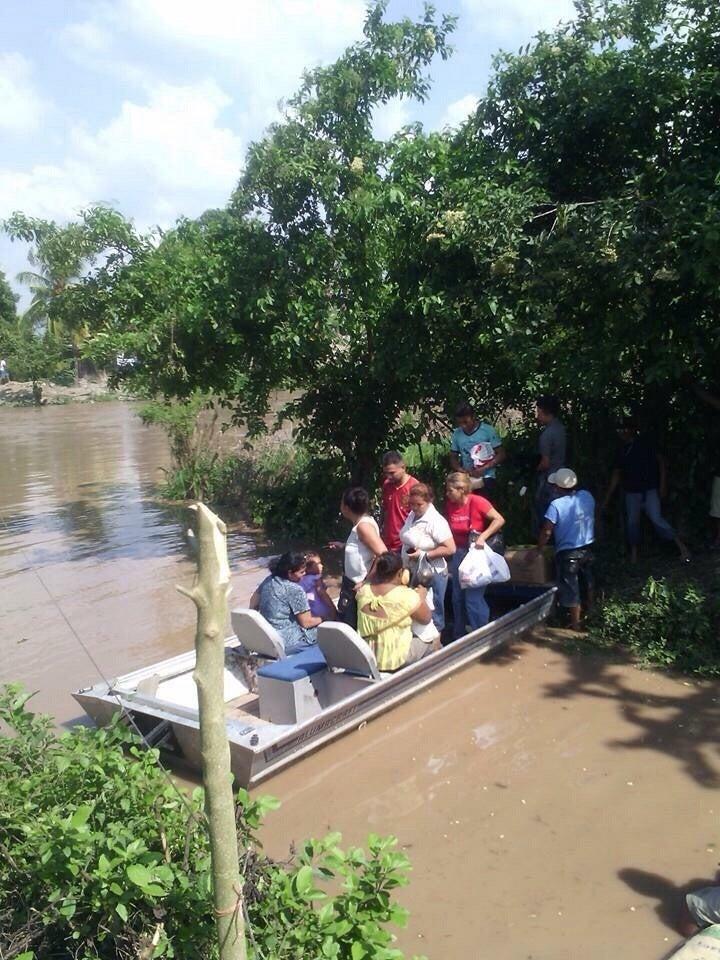Crecida del Río Ulúa afecta ex campos bananeros en El Progreso3