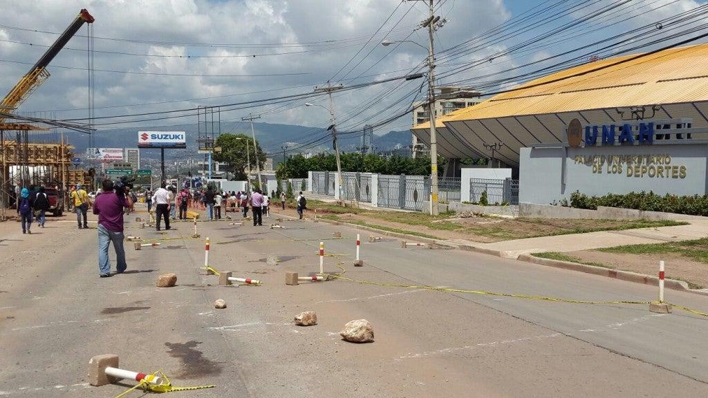 Honduras Suspenden clases en la UNAH por toma de estudiantes (2)