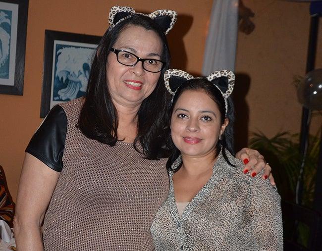 Isabel Reyes y Karla de Posadas.