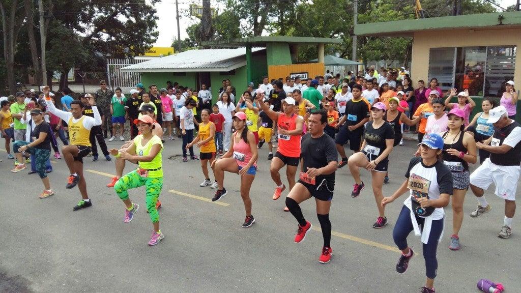 Sampedranos corren en maratón de las FFAA por los niños con cáncer1 (2)
