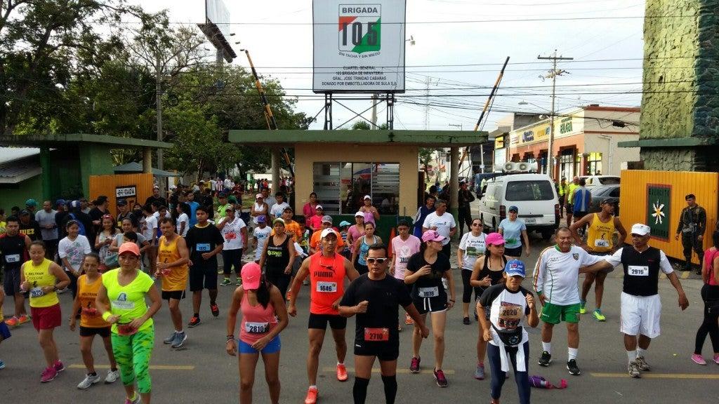 Sampedranos corren en maratón de las FFAA por los niños con cáncer1 (3)