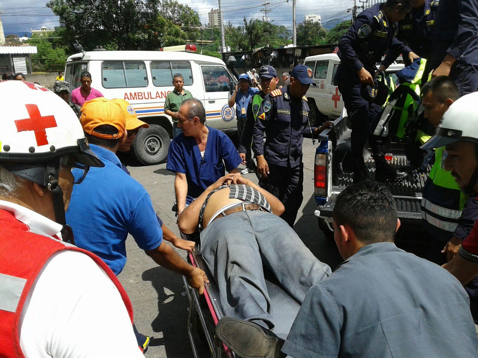 Un muerto y varios heridos deja accidente vial en Olancho2